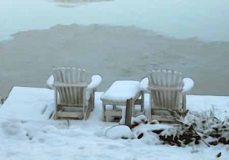 Lac gelé chaises sous la neige